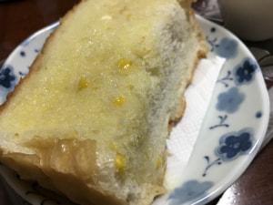 ほんのり甘いコーンパン